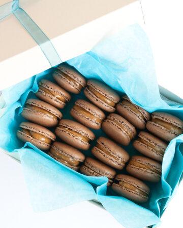 Chokladmacarons med Dulce de Leche och flingsalt