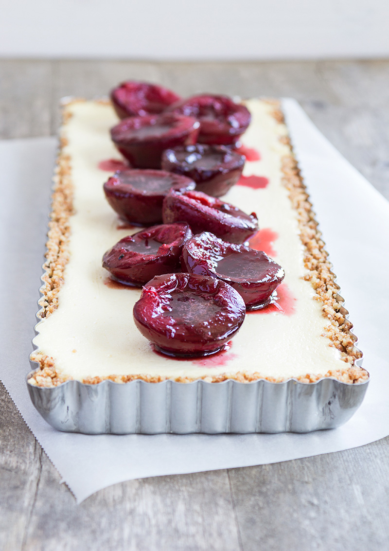 Ricottacheesecake med bakade plommon