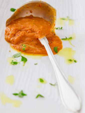 Tomatsås på confiterade tomater