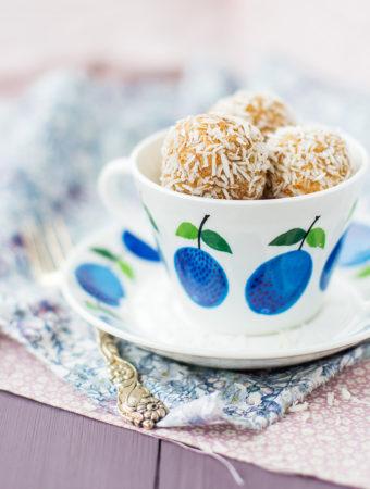 Mandel- och kokos bliss balls